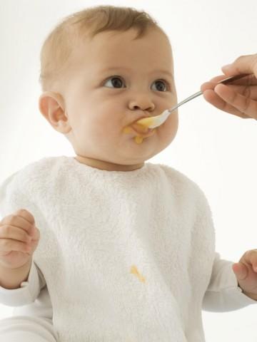 в каких случаях матери не рекомендуется кормить ребенка грудью